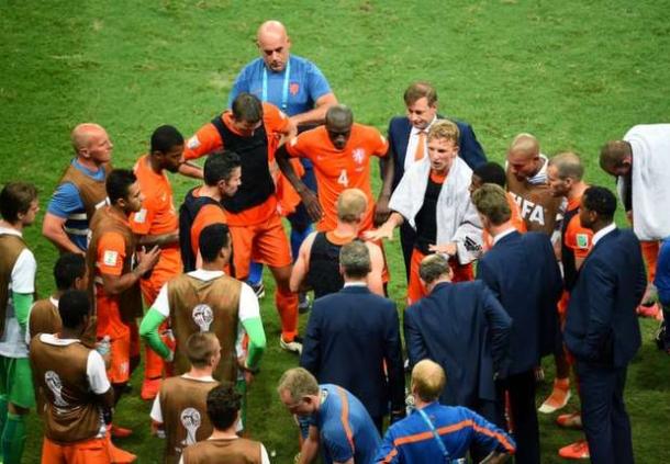 Hempaskan Kosta Rika , Belanda Ke Semi Final