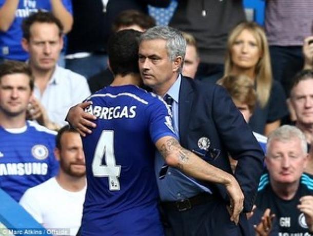 Mourinho Akan Mainkan Fabregas Saat Chelsea Hadapi Derby Country