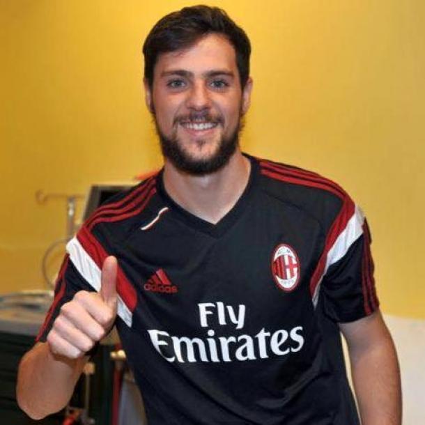 AC Milan Resmi Labihkan Striker AS Roma Dengan Status Pinjaman
