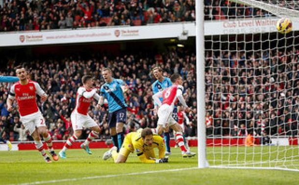 Arsenal Buat Stoke City Terluka Di Emirates Stadium