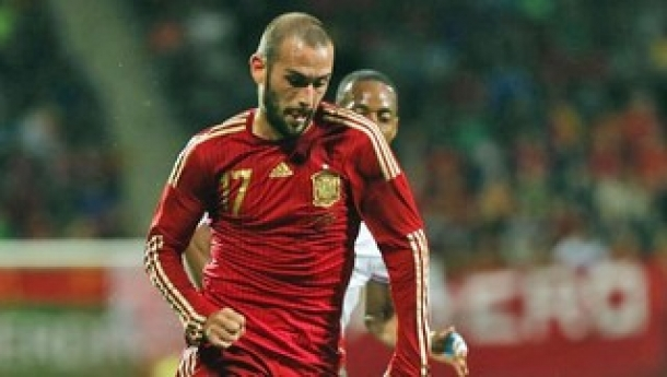 Baru Satu Pertandingan Kenakan Kostum Spanyol, Vidal Sudah Tumbang