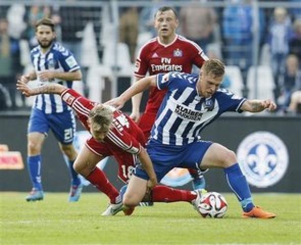 Tumbangkan Karlsruher, Hamburg Pastikan Masih Di Bundesliga Musim Depan