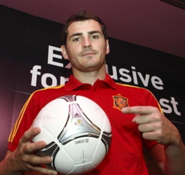 Logo Adidas Masih Tertempel Di Jersey Timnas Spanyol Hingga 2026