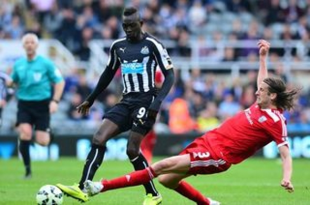 Sang Legenda Sentil Performa Cisse Bersama Newcastle United
