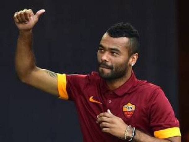 Tak Diprioritaskan AS Roma, Ashley Cole Tetap Legowo
