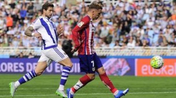 Atletico Madrid Kubur Real Sociedad Di Anoeta