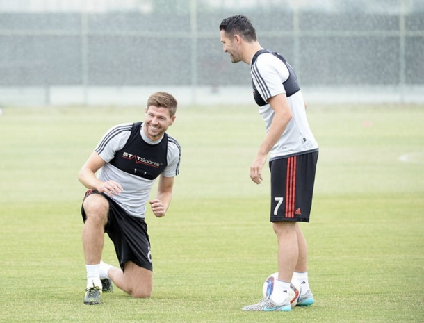 Gerrard Bisa Saja Gantung Sepatu Pada Tahun Depan