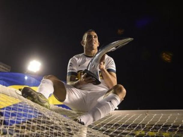 Kebanggaan Tevez Persembahkan Trofi Juara Untuk Boca Juniors